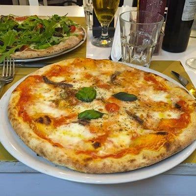 pizza in ciccio passami l'olio restaurant