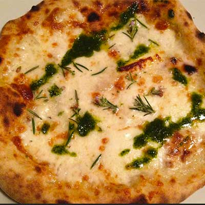 pizza in perciasacchi restaurant