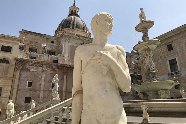 fountain shame vecchio centro