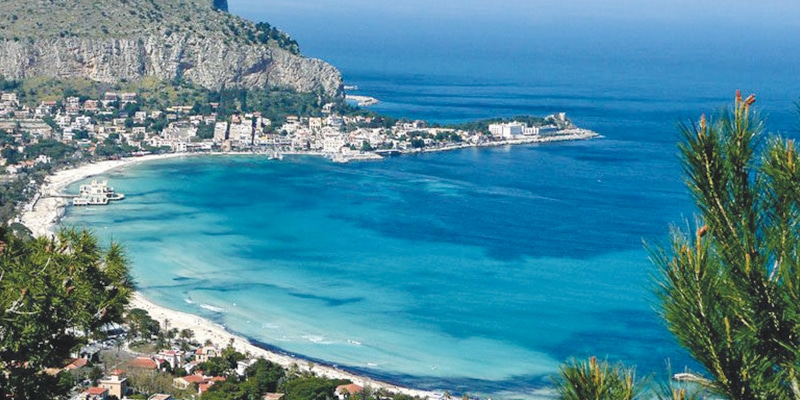 The Best Restaurants, Bars, and Nightclubs in Mondello