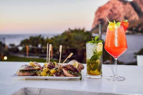 Seaside aperitif