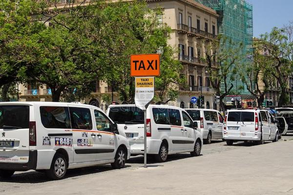 getting from the airport to Palermo with taxi sharing