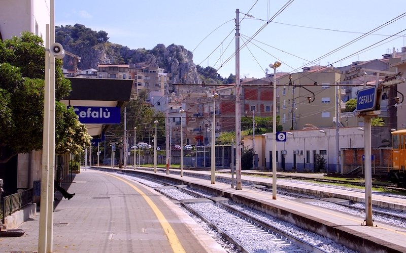Cefalu train station